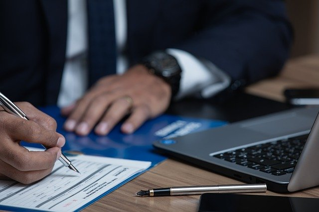 מה עורך דין מקרקעין בודק לפני רכישת נכס?